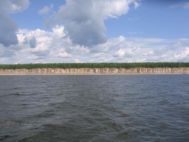 крутые берега Лены
