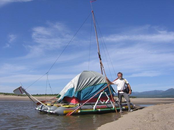Юрий Прокофьев на реке Лена