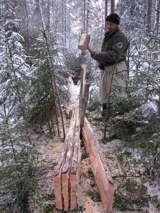 как изготовить доски в лесу